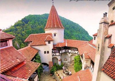 Bran Castle yourguideintransylvania.com