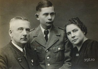 Transylvanian family - German soldier