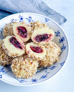 Plum Dumplings - Gomboti cu prune - Transylvanian cake